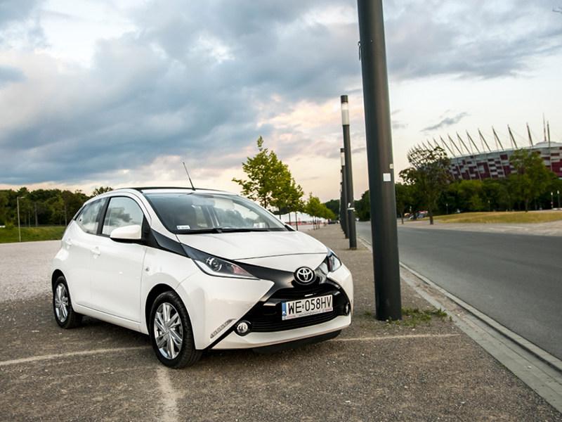 toyota aygo wypożyczalnia samochodów Warszawa Nielsen Cars