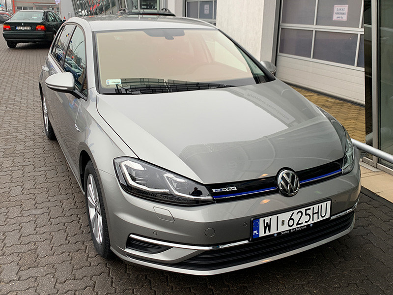 vw golf hatchback rent Warszawa